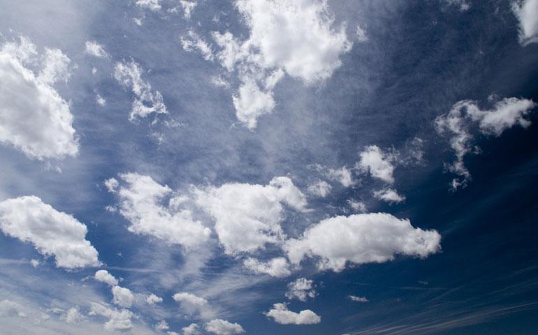 cielo-azul-nubes-paisaje