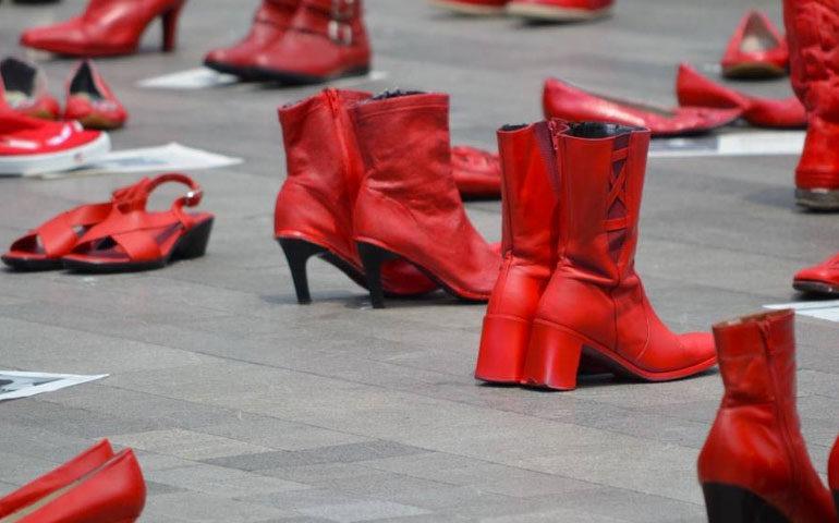 zapatos-rojos-elina-chauvet5